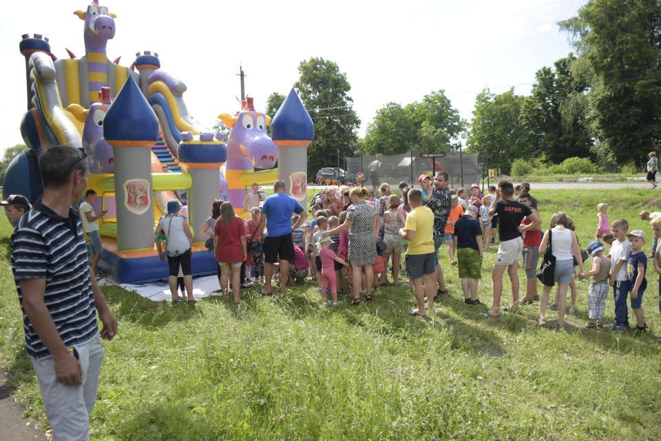 На свято підвозили дітей з сусідніх сіл