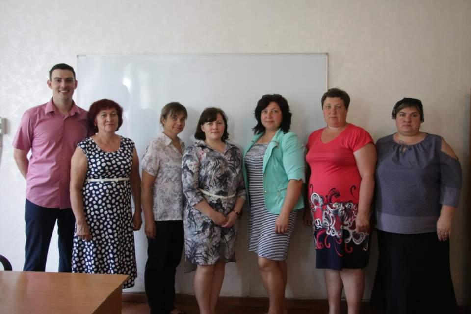 Вчителі Великокринківської школи, які проходять навчання
