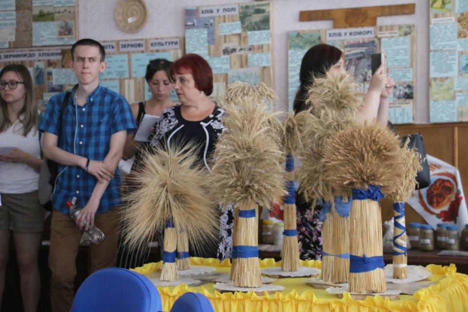 Музей-кімната хліба Тростянецького НВК