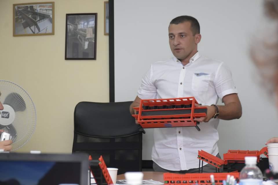 Далер Саїдов показав всі процеси на макеті