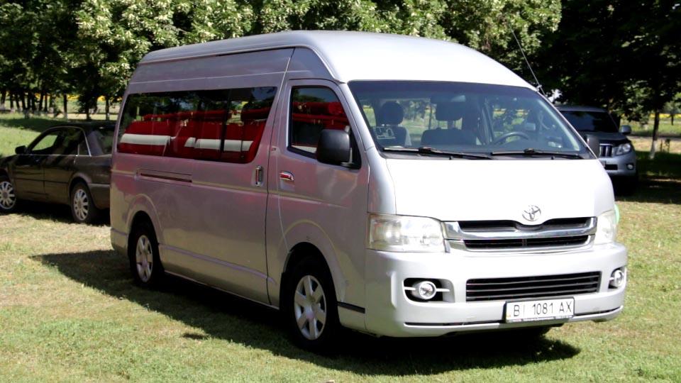Мікроавтобусом хочуть вирішити транспортну проблему громади