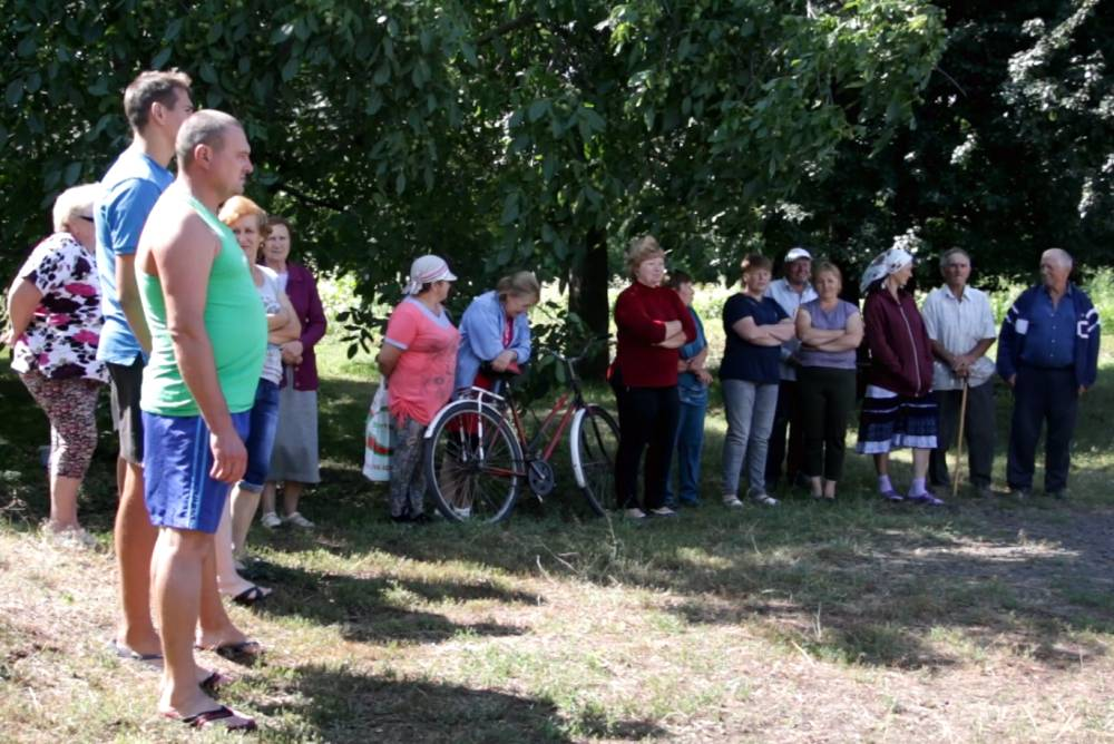 Мешканці Карлівки дякують «Полтававодоканалу» за тимчасовий водогін