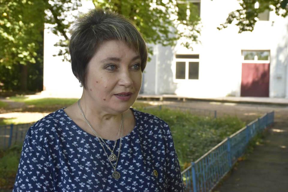 Учасниця художньої самодіяльності Байрацького будинку культури Ольга Калюжна