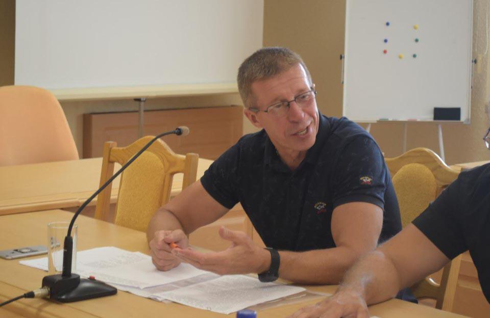 Голова депутатської групи «За успішну Полтавщину» Геннадій Коваленко