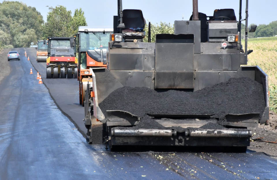 На Полтавщині продовжують ремонт дороги Шишаки — Сагайдак — Поділ