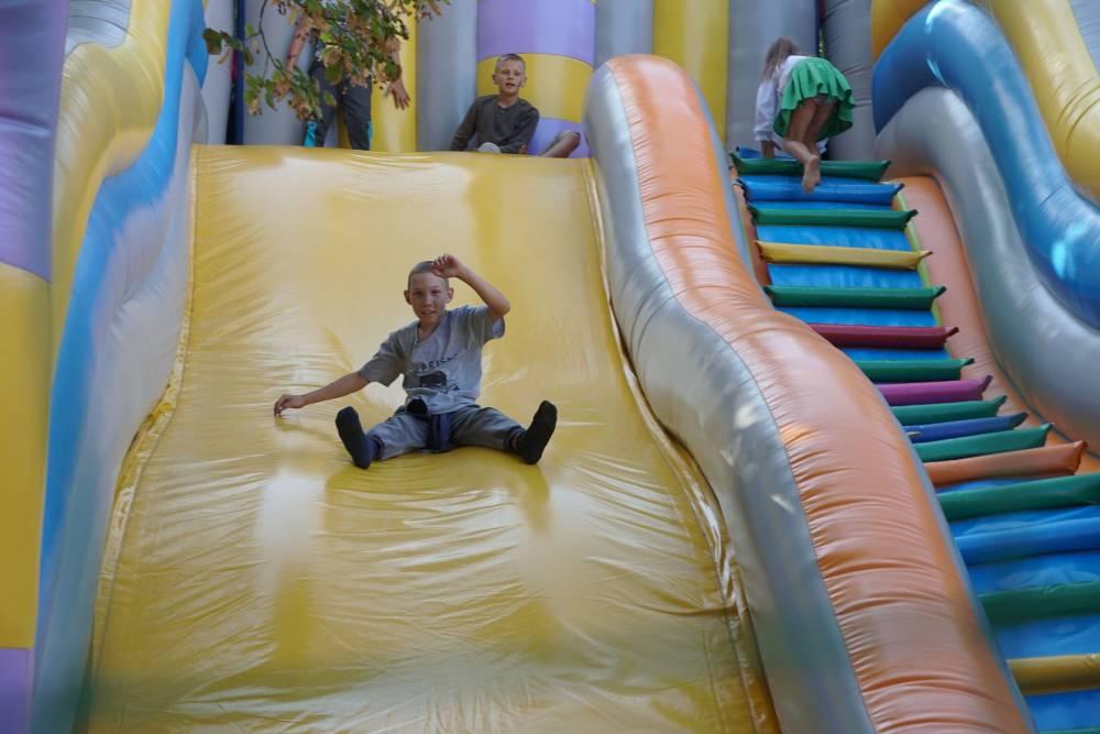 Діти у Василівці були в захваті від атракціонів