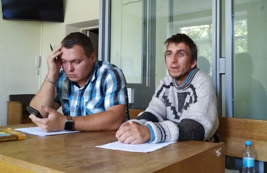 Адвокат Вадим Волков та підозрюваний Тарас Чамара