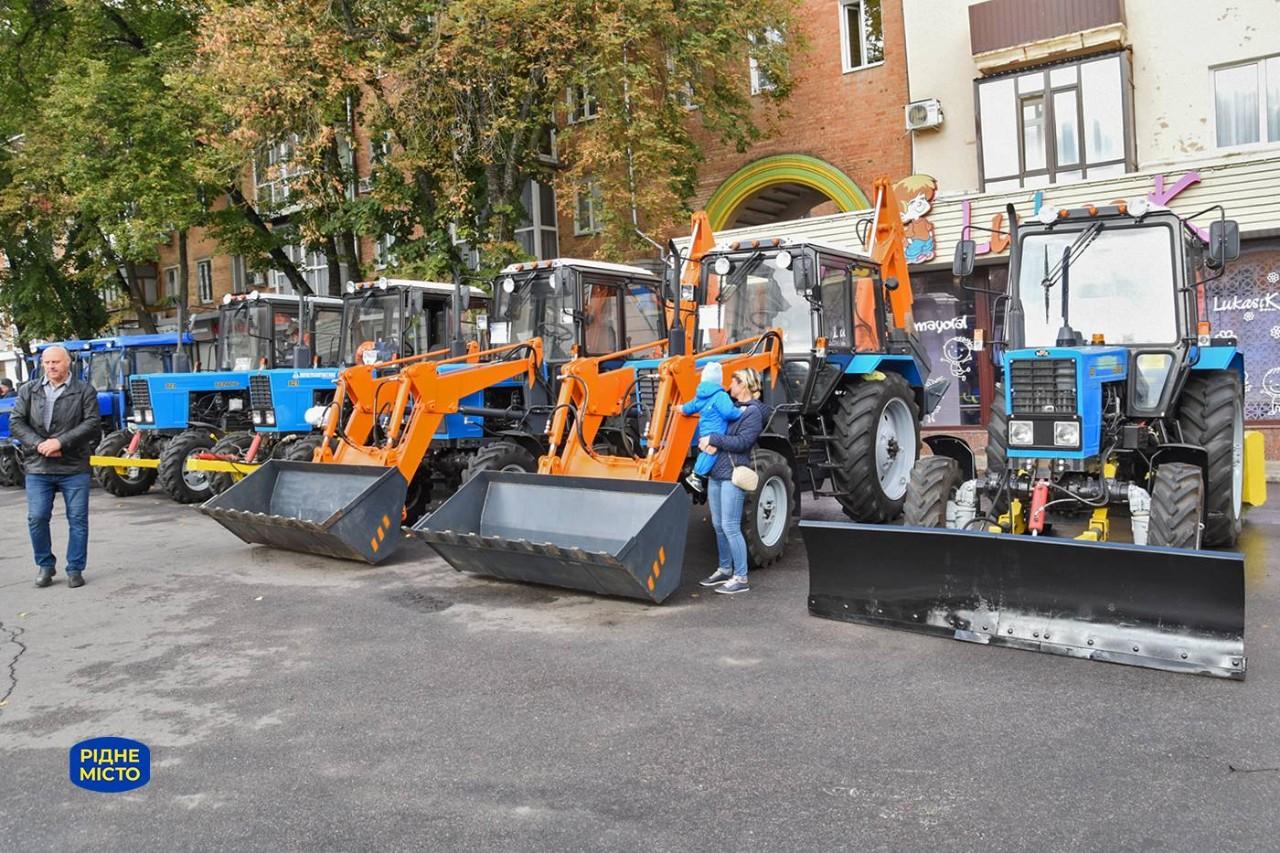 Трактори працюватимуть і влітку, і взимку