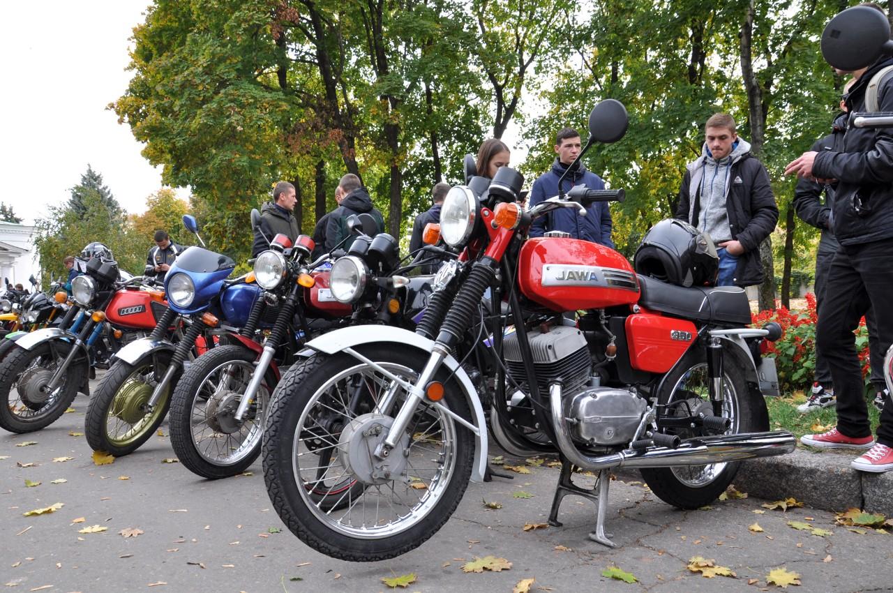 Спортивна класика чеського мотопрому «Jawa», 85року випуску.