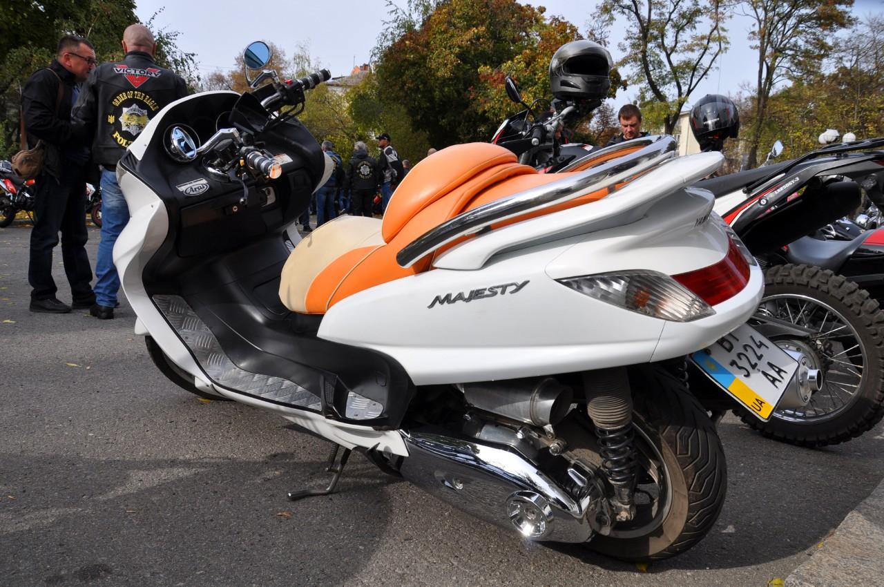 «Yamaha Majesty».