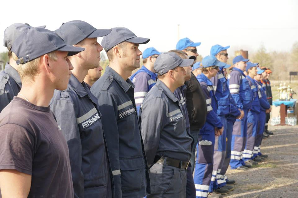 Команда професійних рятувальників та команда групи Smart Energy