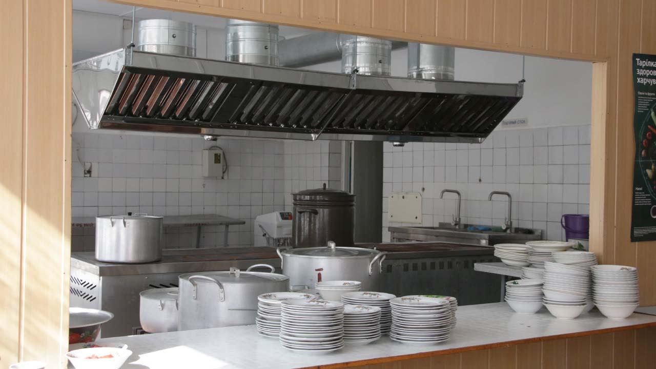 Цьогорiч у Великосорочинськiй школi оновлюється їдальня