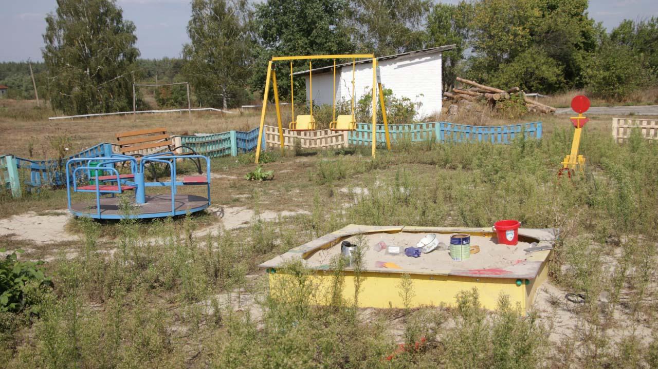 Дитячий майданчик у Семеренках, встановлений завдяки ДТЕК Нафтогаз