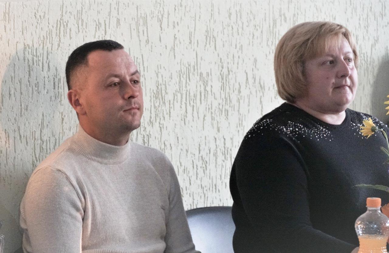 Євген Почечун та Наталія Горіздра на святі у Старицьківці