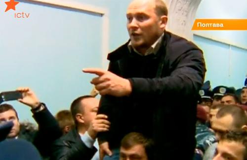 Сергій Каплін провів людей у міськраду Полтави і зупинив підвищення тарифів на тепло