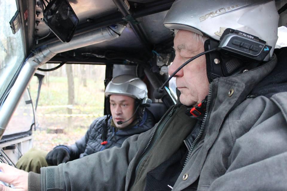 Василь Воротинцев бере участь у змаганнях в заїздах екстремальними ділянками