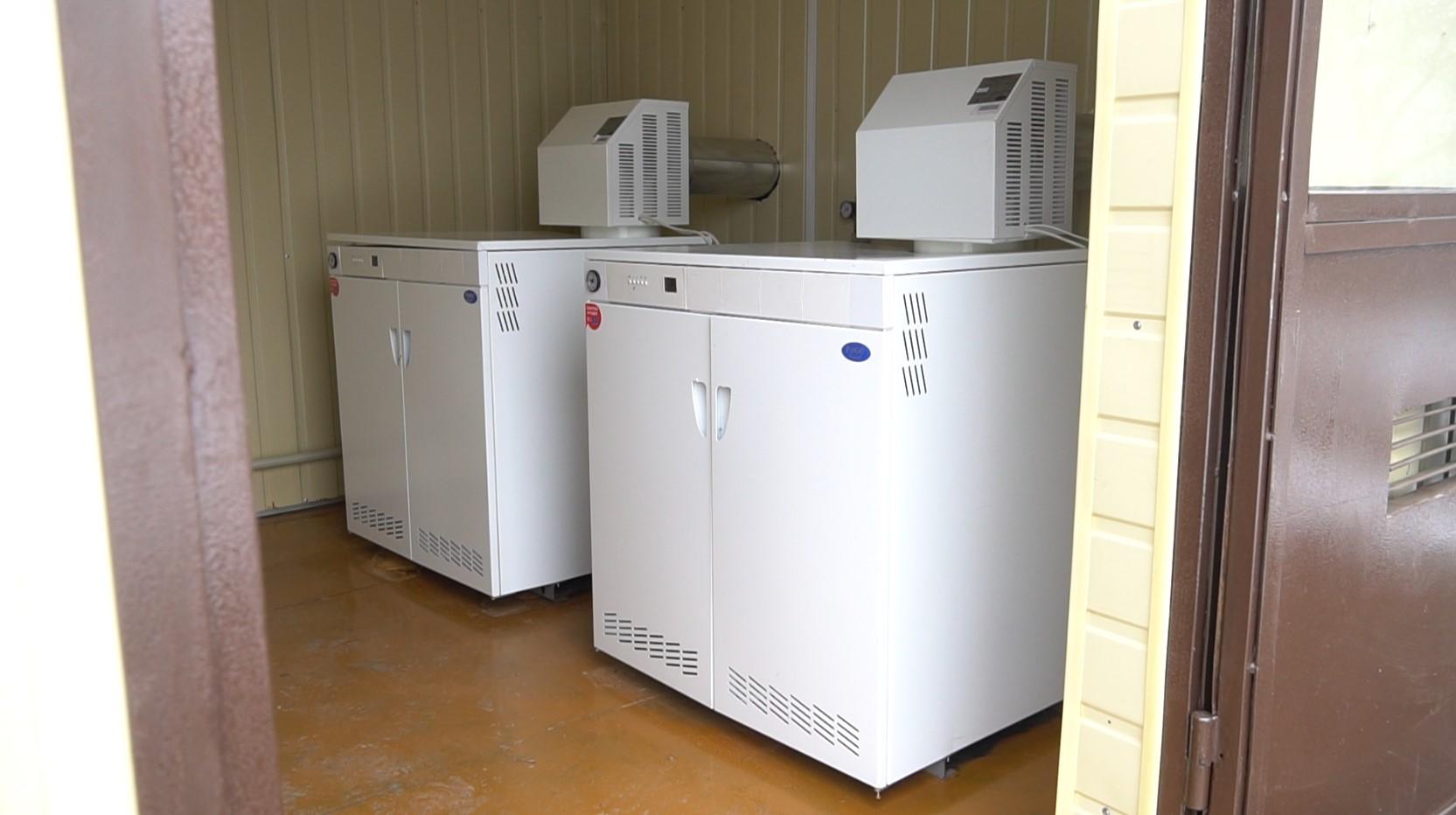 У теплогенераторній встановили чотири сучасні газові котли