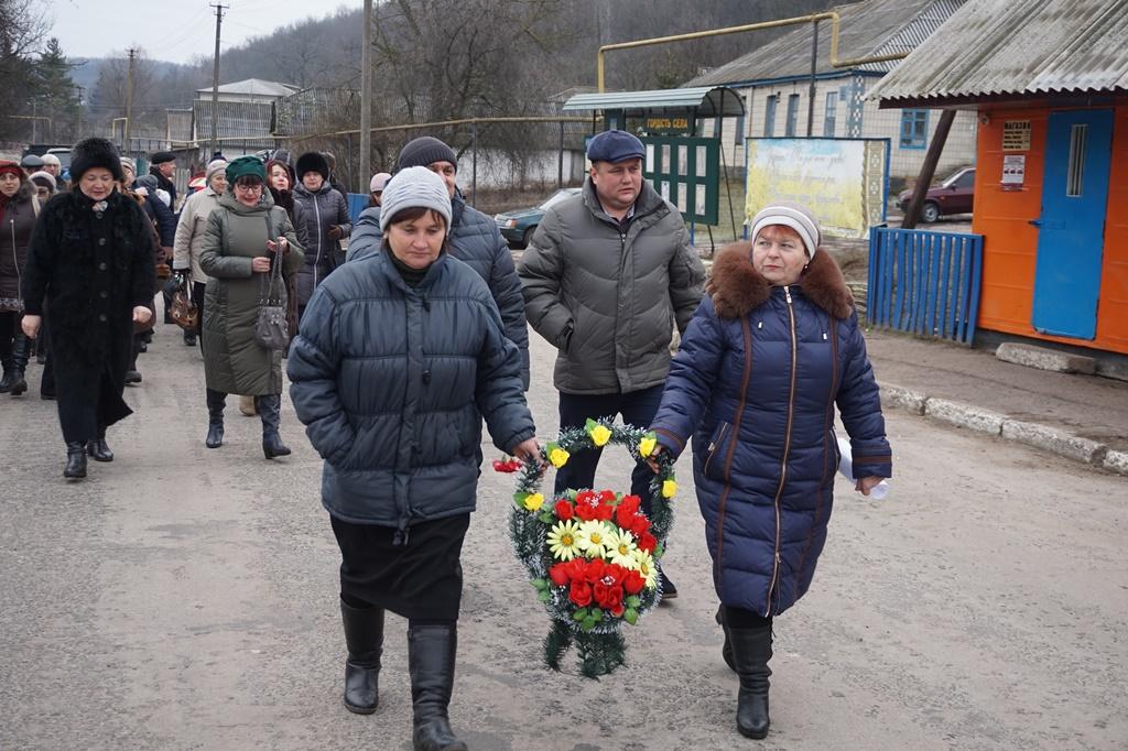 Учасники урочистостей у селі Біївці