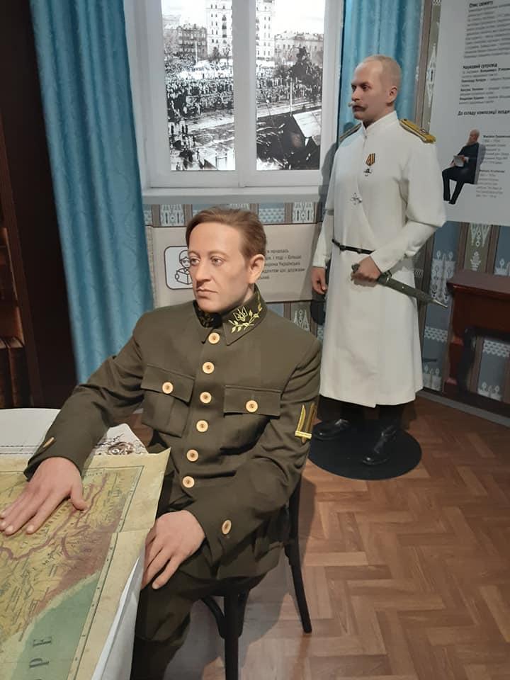 Воскова фігура Петлюри у Музеї становлення нації