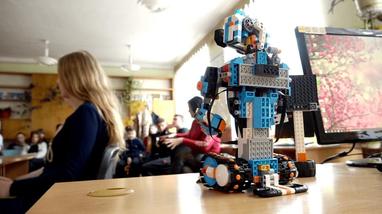 На гуртках діти також вивчатимуть робототехніку