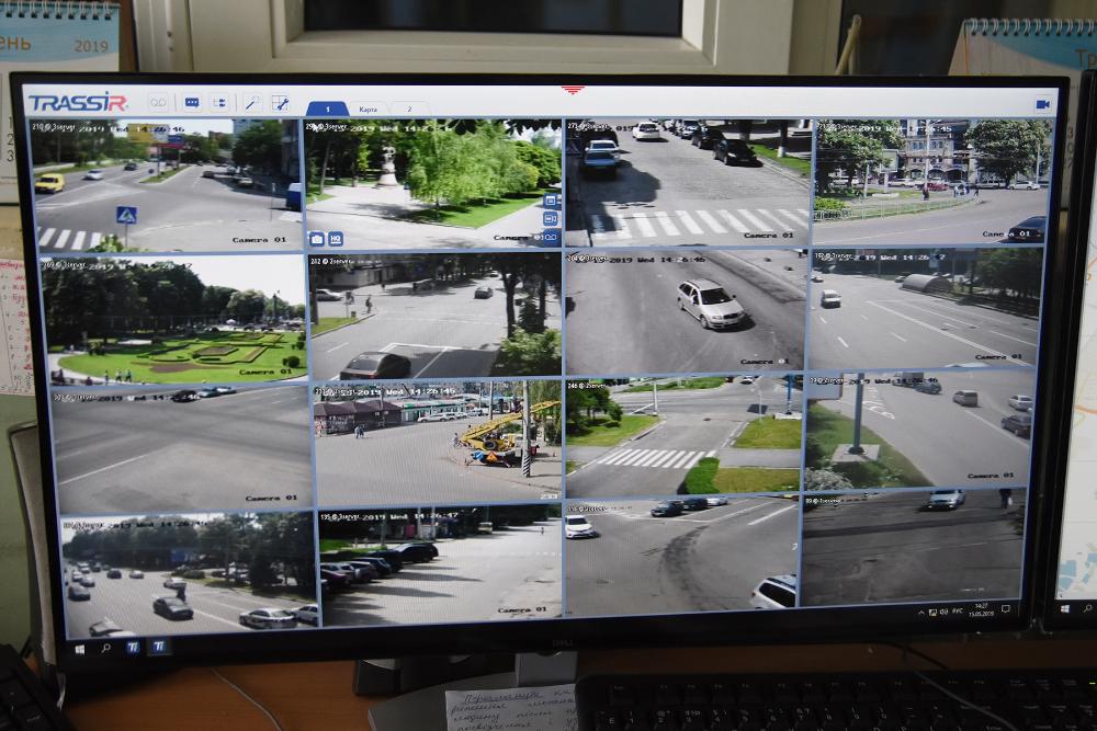 Запустили систему відеокамер «Безпечне місто». Як наслідок — рівень розкриття злочинів у місті виріс в рази.