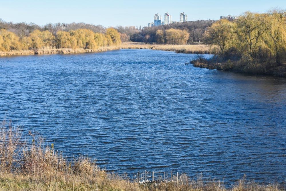 Вперше за 30 років зрушили з місця проблему міських водойм. Як наслідок — буде інвентаризовано всі ставки Полтави і визначено для них доглядача з числа комунальних підприємств.