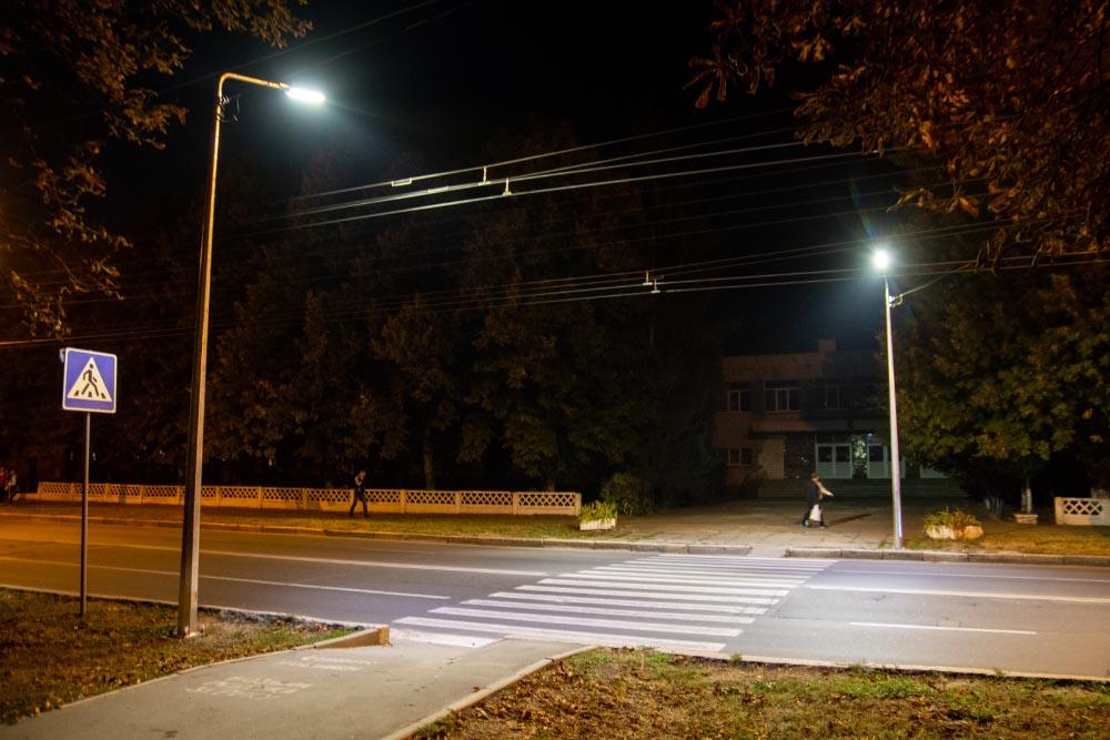 Почали освітлювати пішохідні переходи. Як наслідок — додаткова безпека для громадян у темний час.