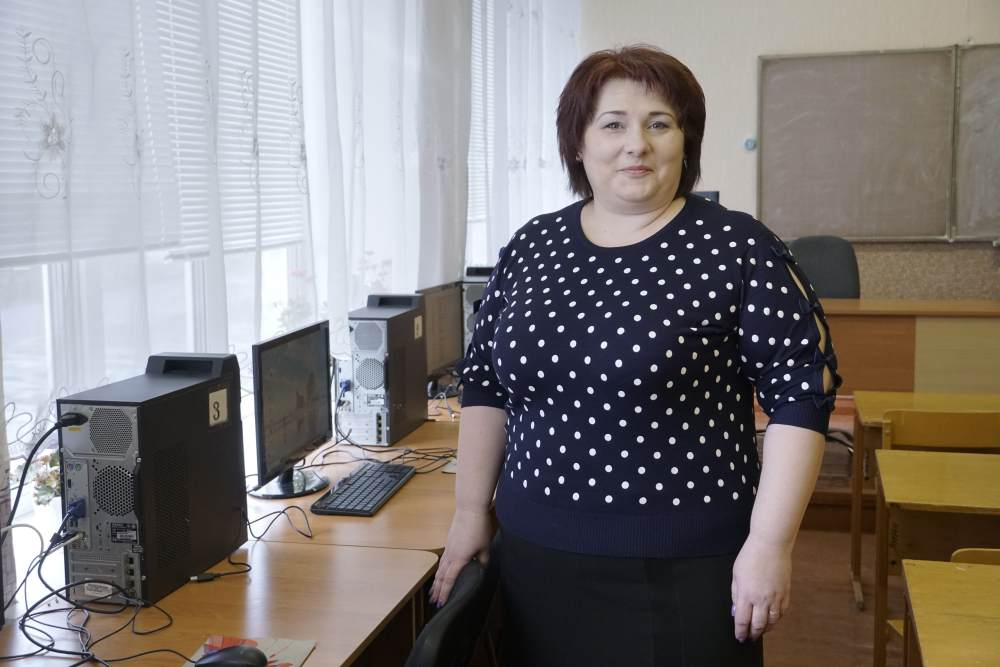 Учителька інформатики Олена Липенко