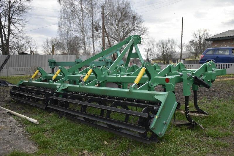 Навісне обладнання для трактора