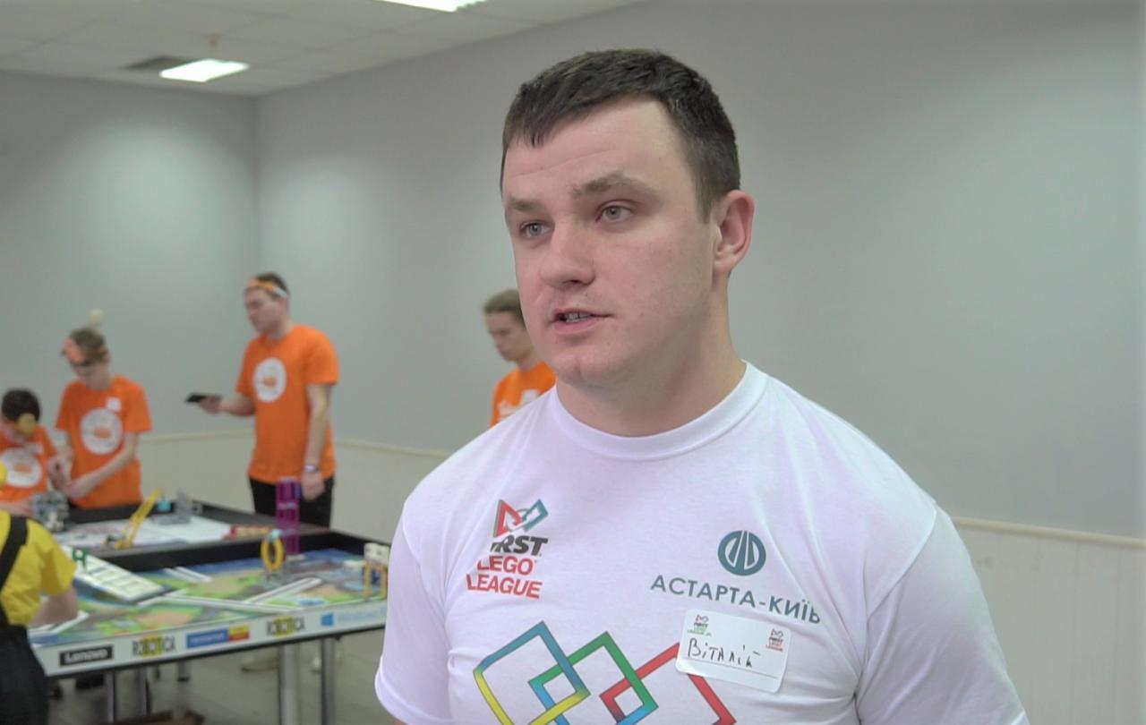 Директор Василівської школи Віталій Демочко