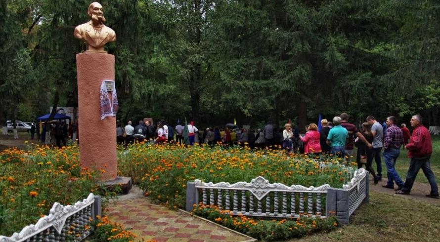 Пам'ятник Глібову у Семенівському районі — на малій батьківщині письменника
