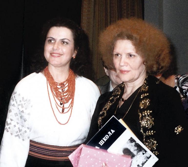 Ніла Крюкова і Ліна Костенко