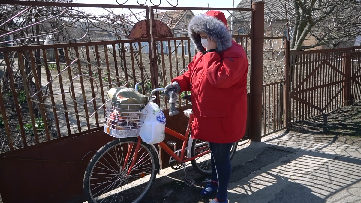 Щербанівська ОТГ придбала велосипеди та спецодяг для соцробітників