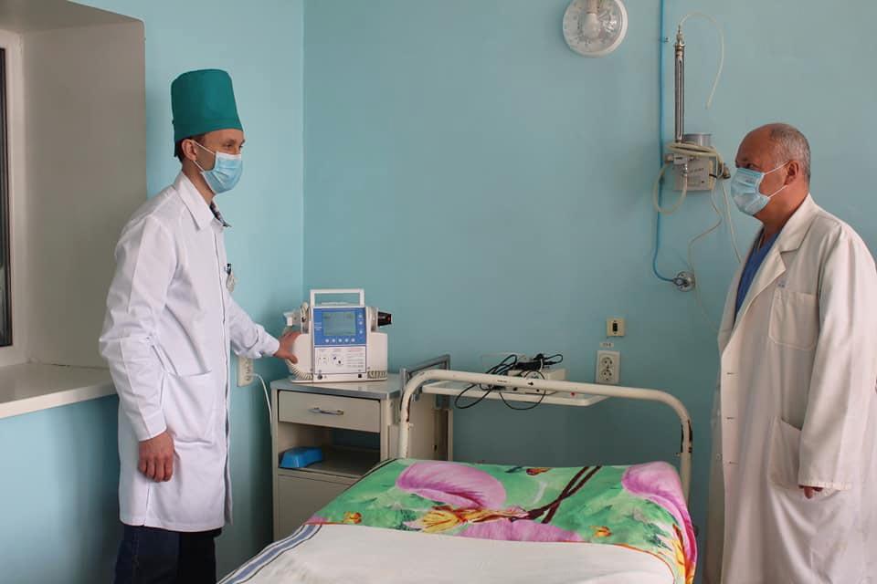 Дефібрилятор встановили в інфекційному відділення Новосанжарської ЦРЛ
