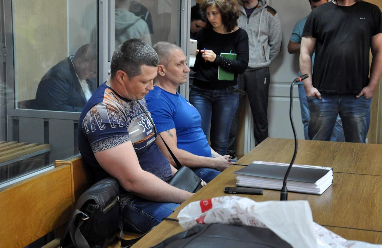 Обвинувачені у різанині нині випущені під особисті зобов'язання