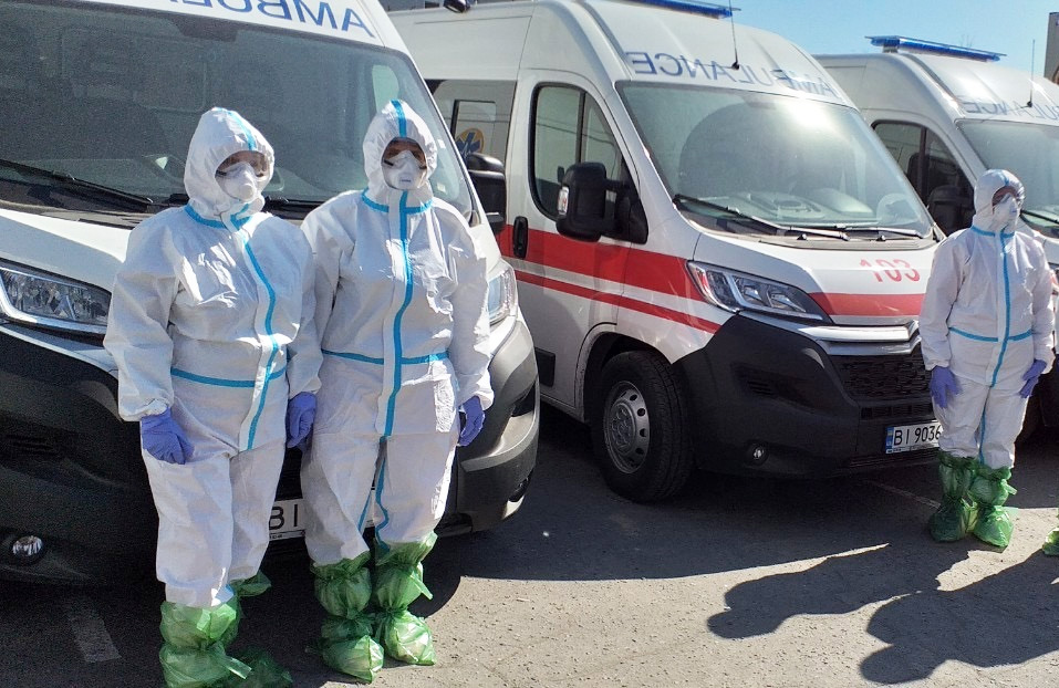 34 тис. масок, захисні костюми та тести на коронавірус: народний депутат  прозвітував про допомогу медикам / Полтавщина