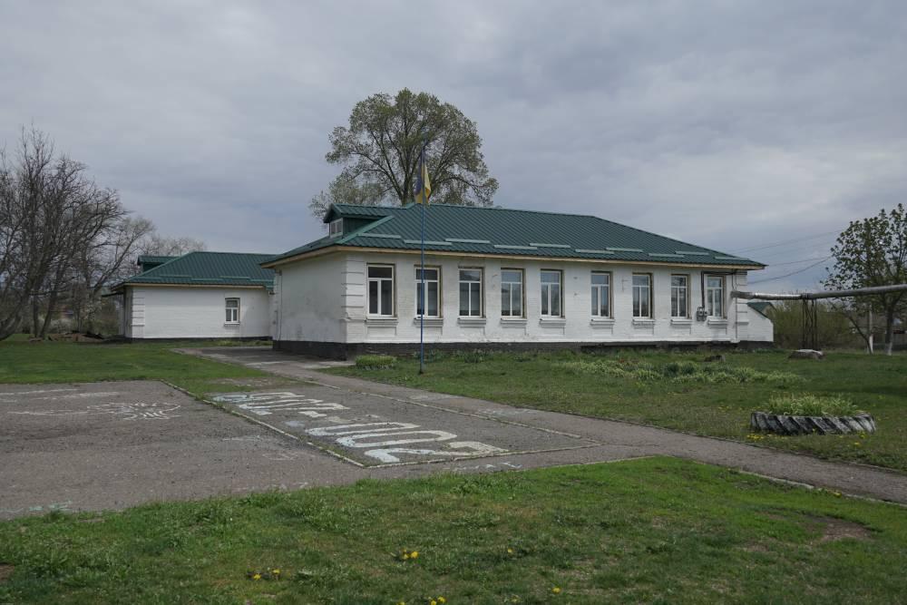 В основному корпусі Василівської школи замінили покрівлю та вікна
