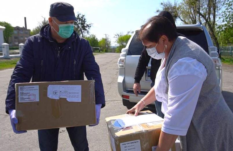 Полтавська обласна інфекційна лікарня отримала 395 експрес-тестів