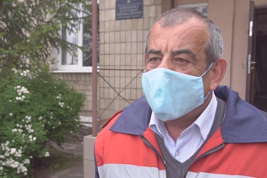 Старший фельдшер Підстанції екстреної медичної допомоги Кобеляцького району Віктор Голик