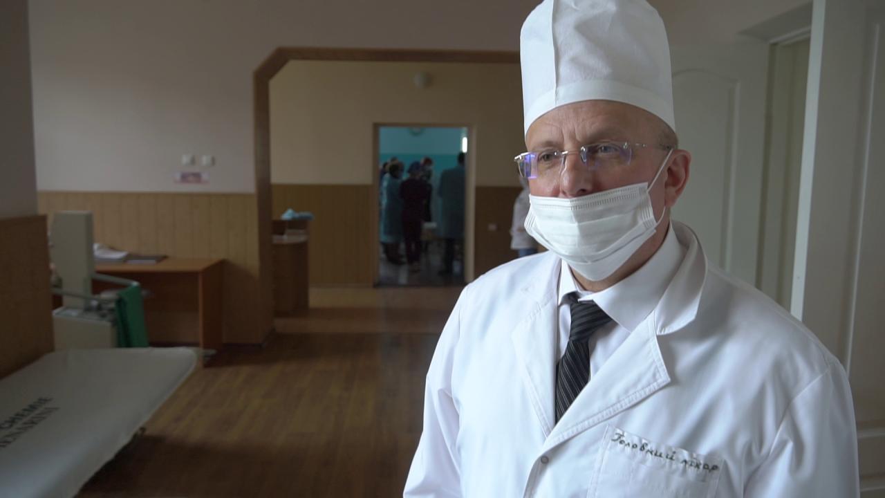 Головний лікар Хорольської районної лікарні Михайло Виноград