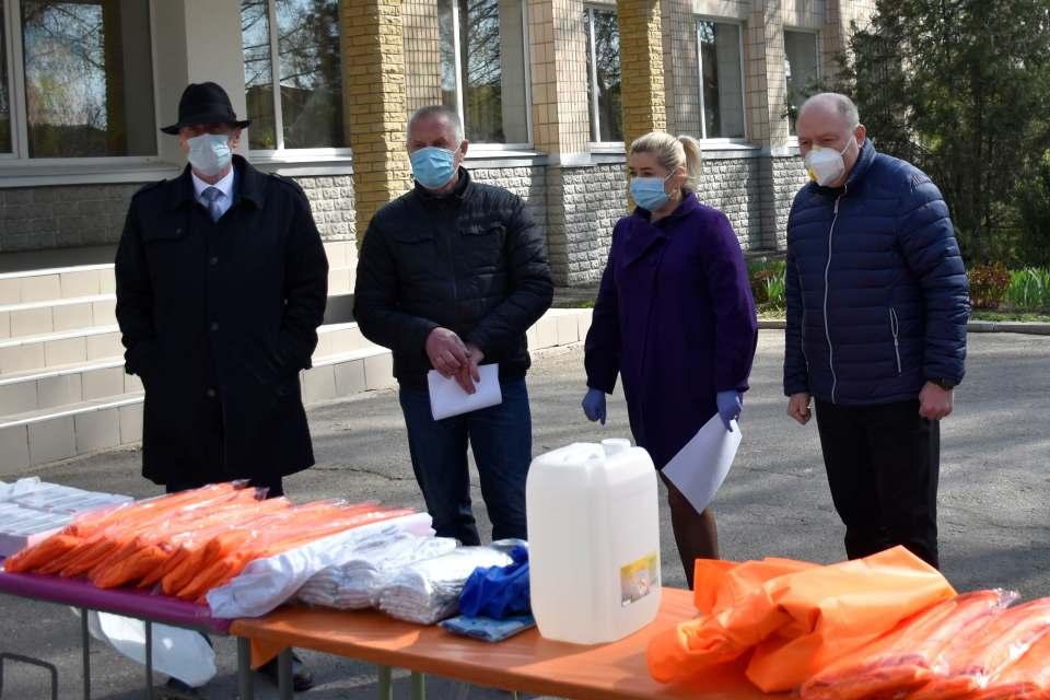 Допомогу від Щербанівської громади отримали медичні працівники місцевих ПМСД, районної лікарні та перинатального центру