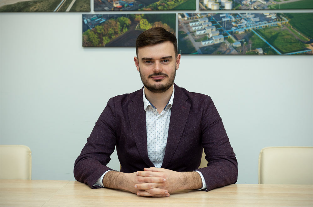 Артем Петренко
