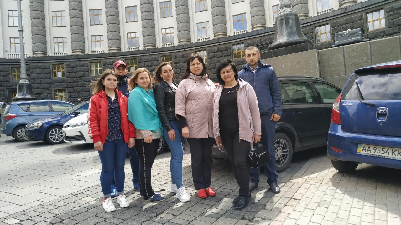 Наталія Нос та Оксана Шурдак разом з ініціативною групою передали листа до Кабміну та Мінрегіону