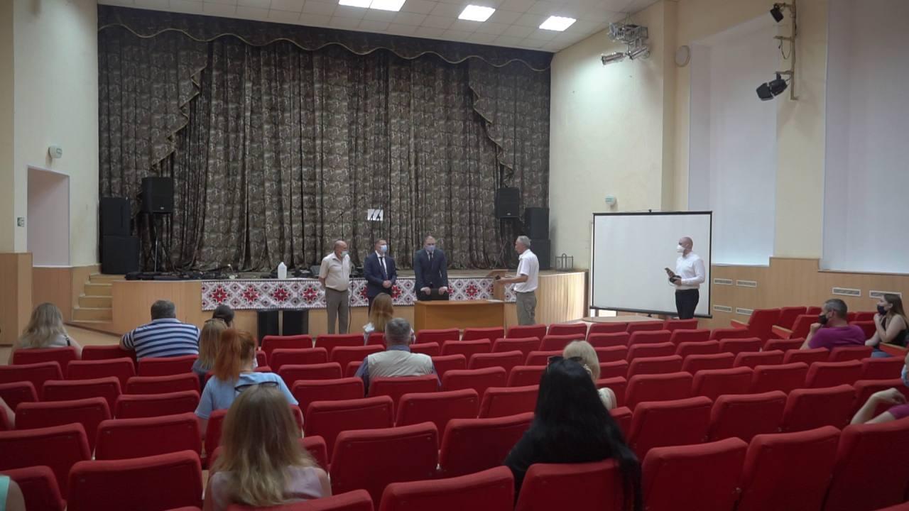 Олег Синєгубов, Дмитро Романов та Ігор Процик поспілкувалися з місцевими мешканцями