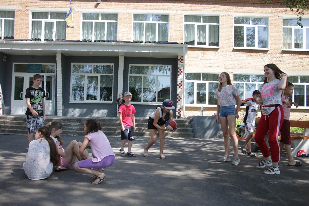 Влітку для дітей організовують оздоровчу кампанію