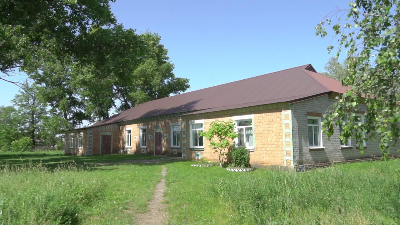 На будинку культури встановлять сонячні батареї та інфрачервоні стельові обігрівачі