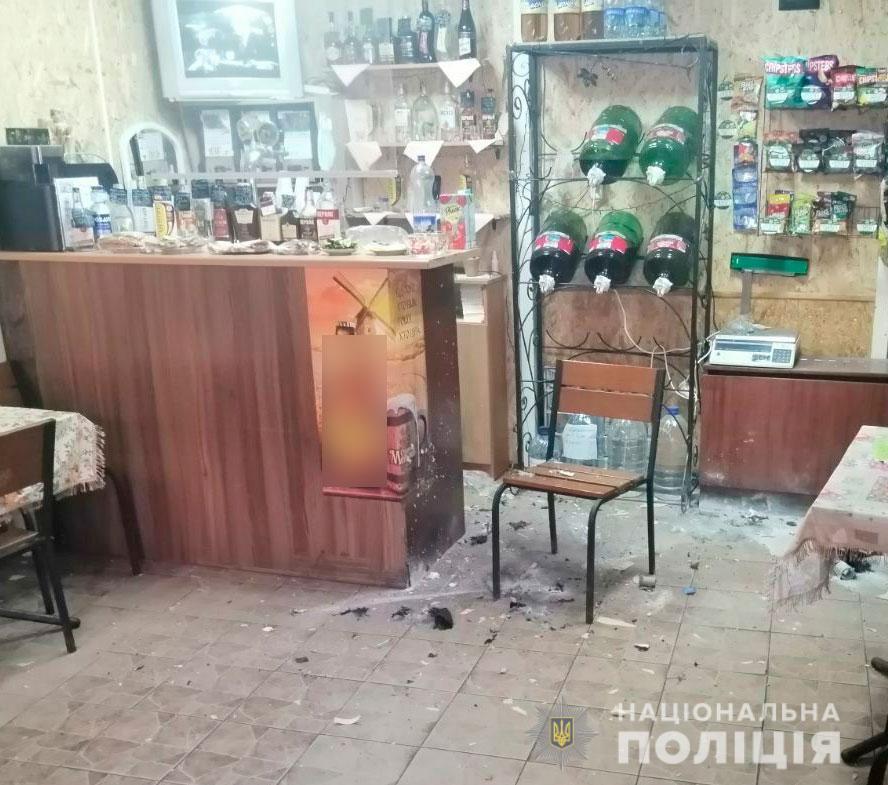 Наслідки вибуху петарди у кафе на Мотелі