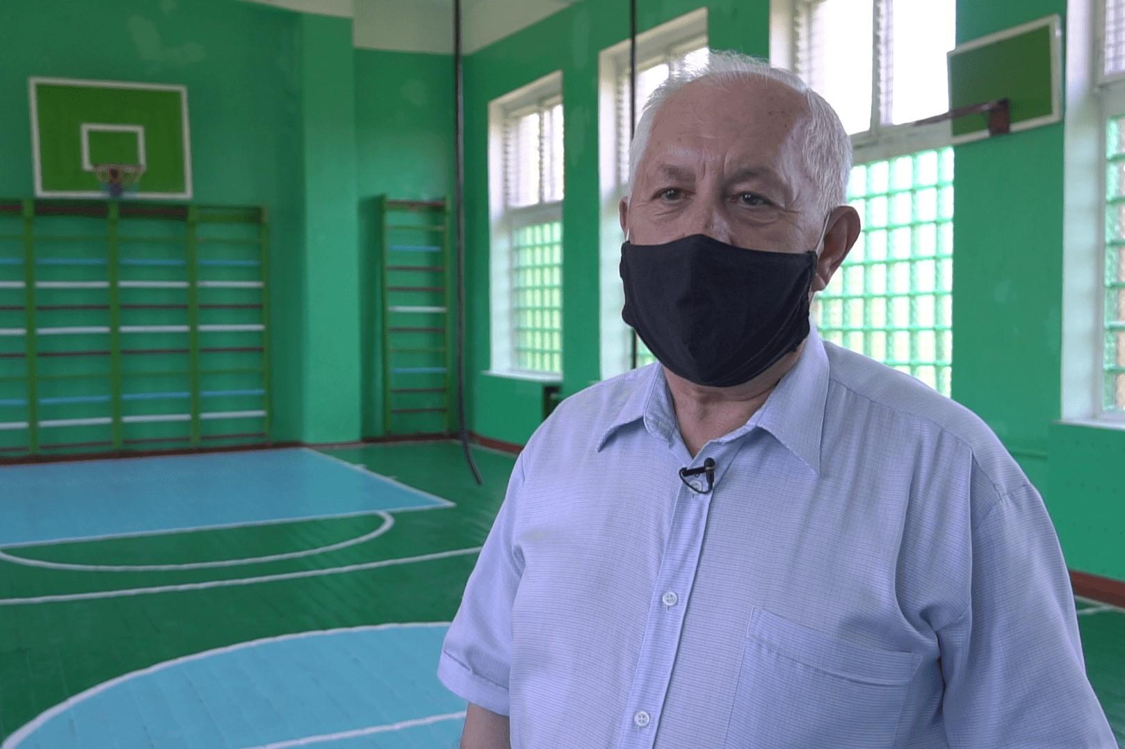 Директор Степненського НВК Микола Ткаченко
