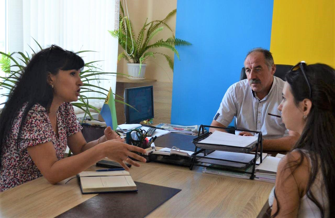 Олена Бабенко зустрілася з головою Мачухівської ОТГ Валерієм Білоконем та головою Молодіжної ради Мачухівської громади Анною Рубан
