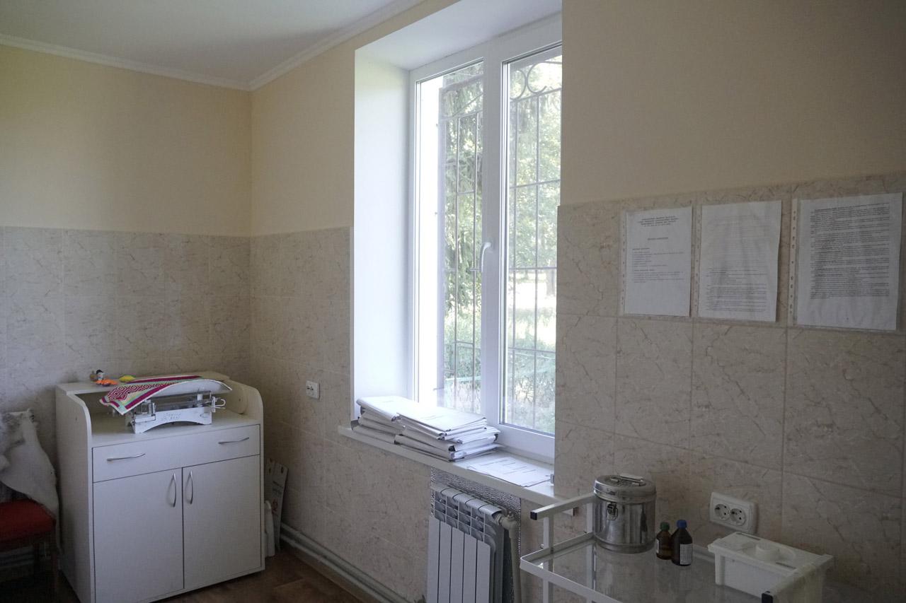 Замість запліснявілих стін — сучасні кахлі та пофарбовані поверхні